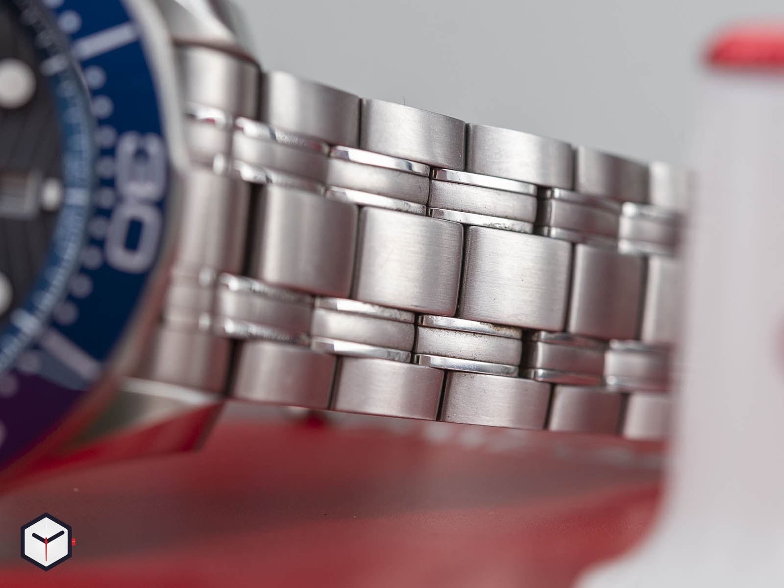 210-30-44-51-06-001-omega-diver-300m-co-axial-master-chronometer-chronograph-44-6.jpg