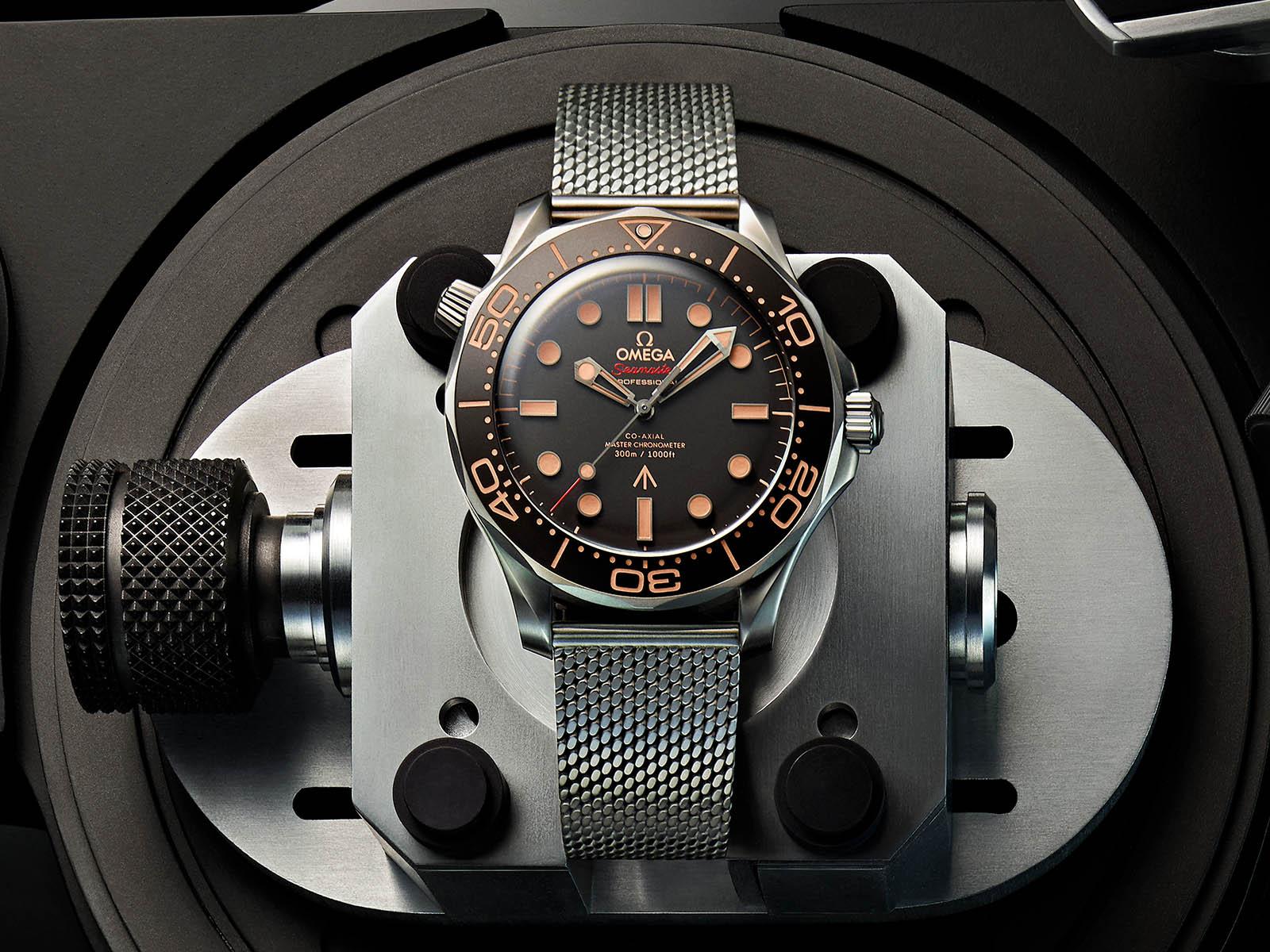 210-90-42-20-01-001-omega-seamaster-diver-300m-007-edition-2.jpg