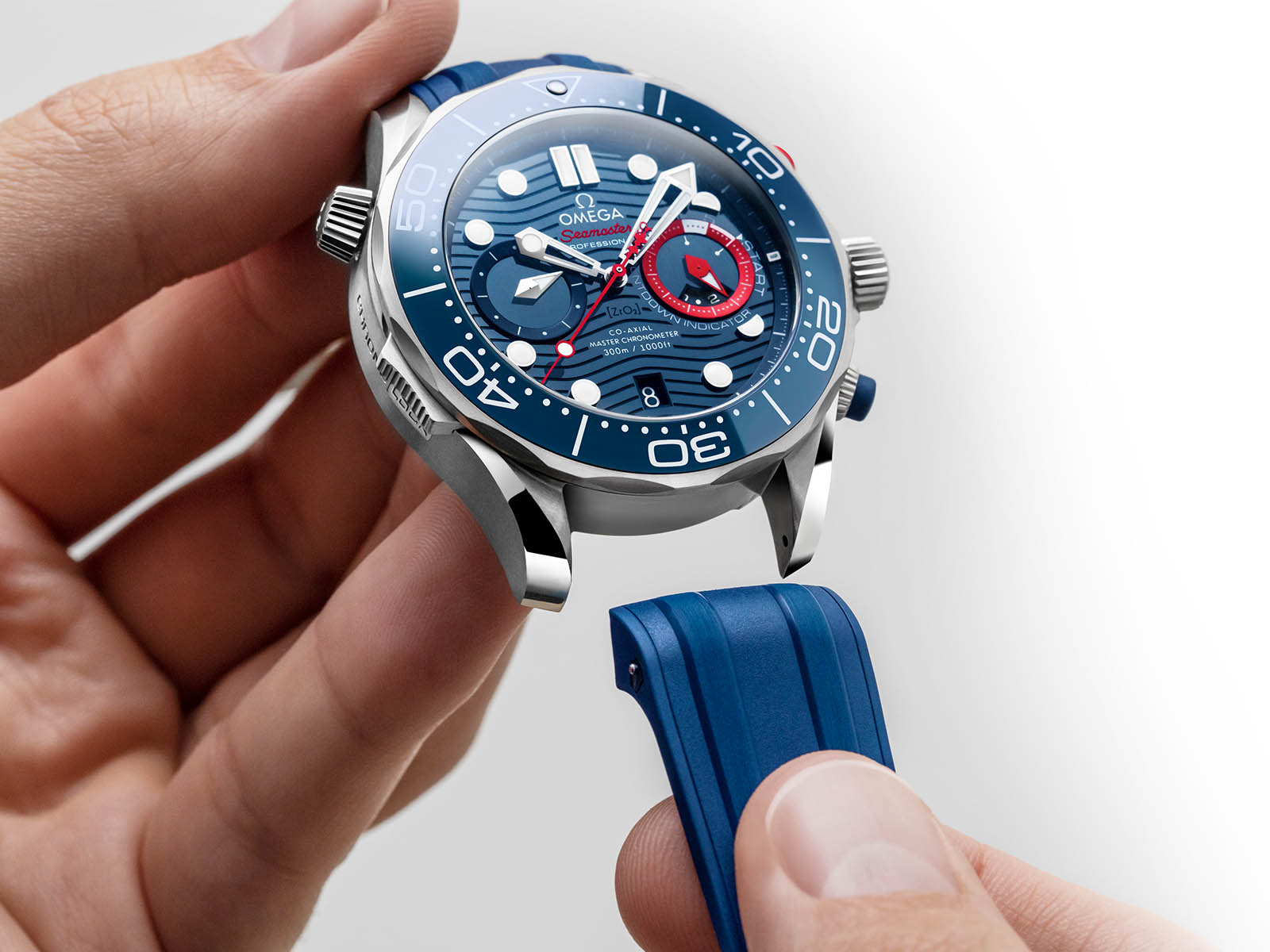 210-30-44-51-03-002-omega-seamaster-diver-300m-america-s-cup-chronograph-10.jpg