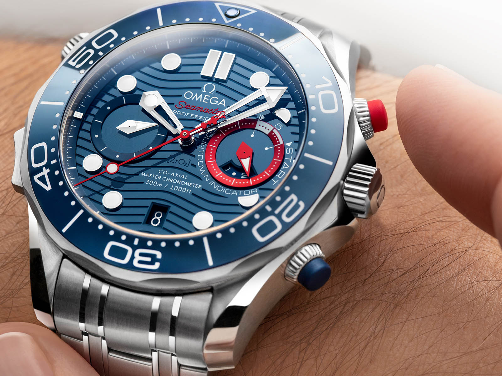 210-30-44-51-03-002-omega-seamaster-diver-300m-america-s-cup-chronograph-3.jpg