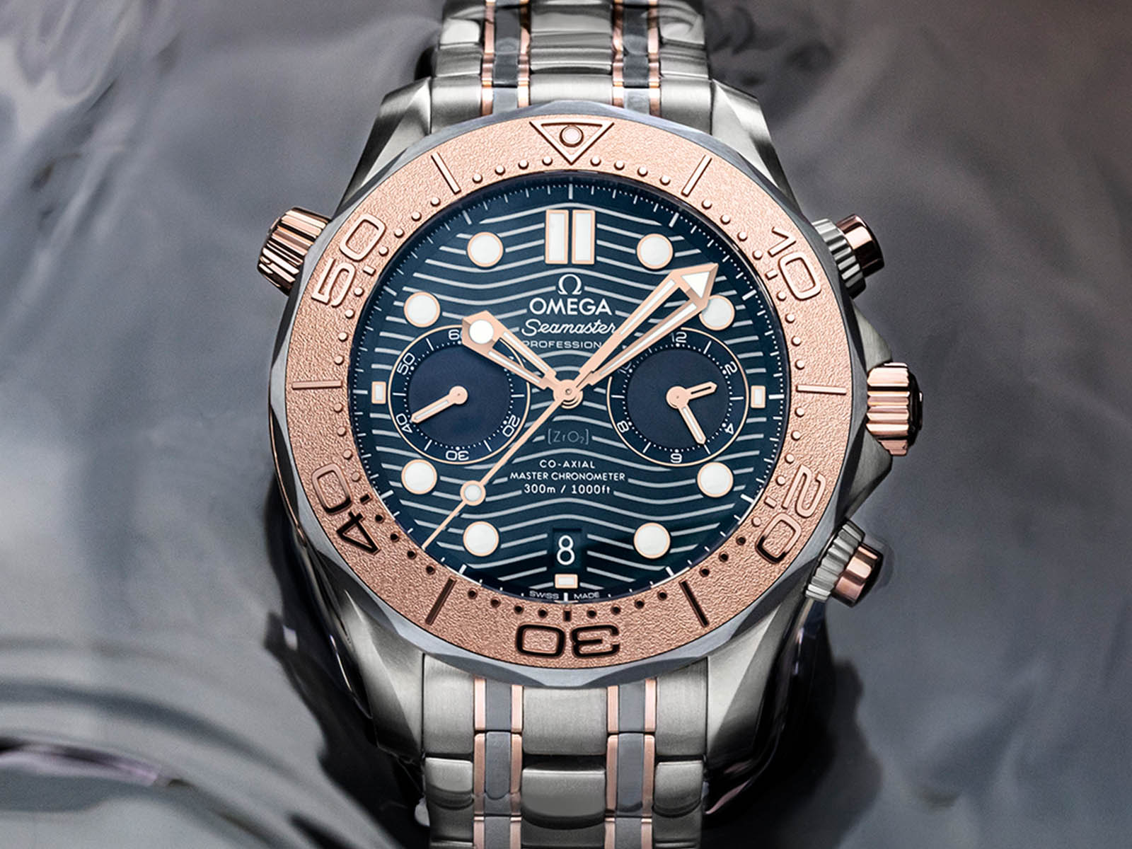 omega-seamaster-diver-300m-chronograph-gold-titanium-tantalum-2.jpg