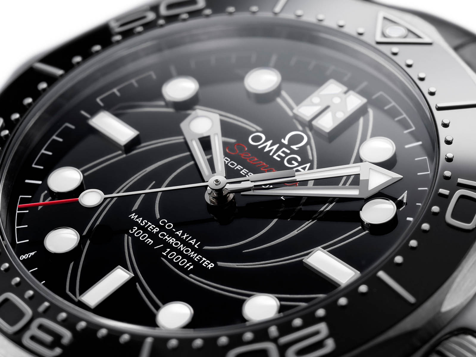 210-93-42-20-01-001-omega-seamaster-diver-300m-james-bond-numbered-edition-5.jpg