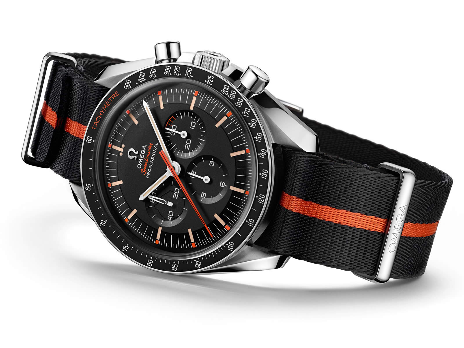 311-12-42-30-01-001-omega-speedmaster-limited-edition-42mm-ultraman-11-.jpg