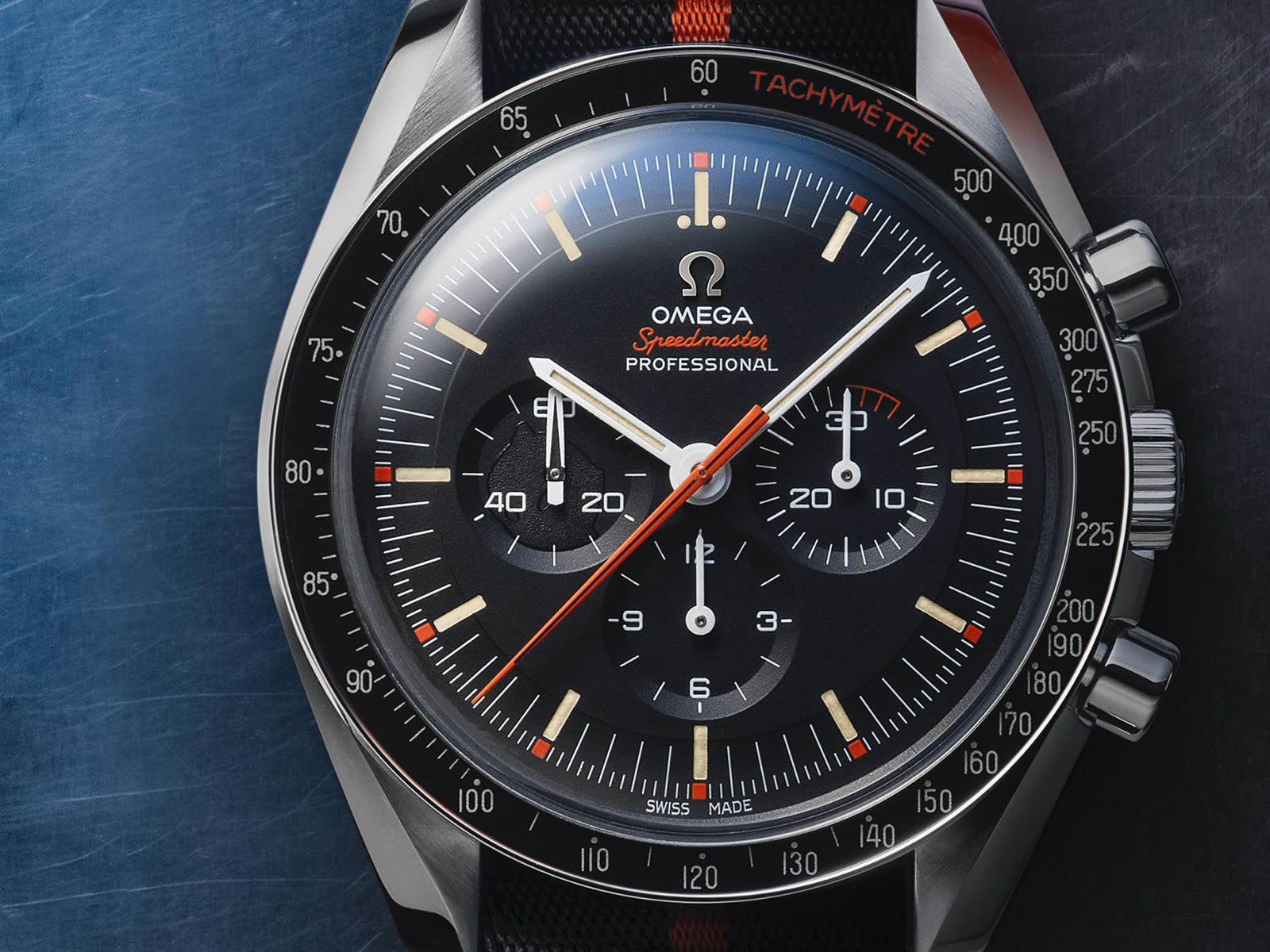 311-12-42-30-01-001-omega-speedmaster-limited-edition-42mm-ultraman-12-.jpg