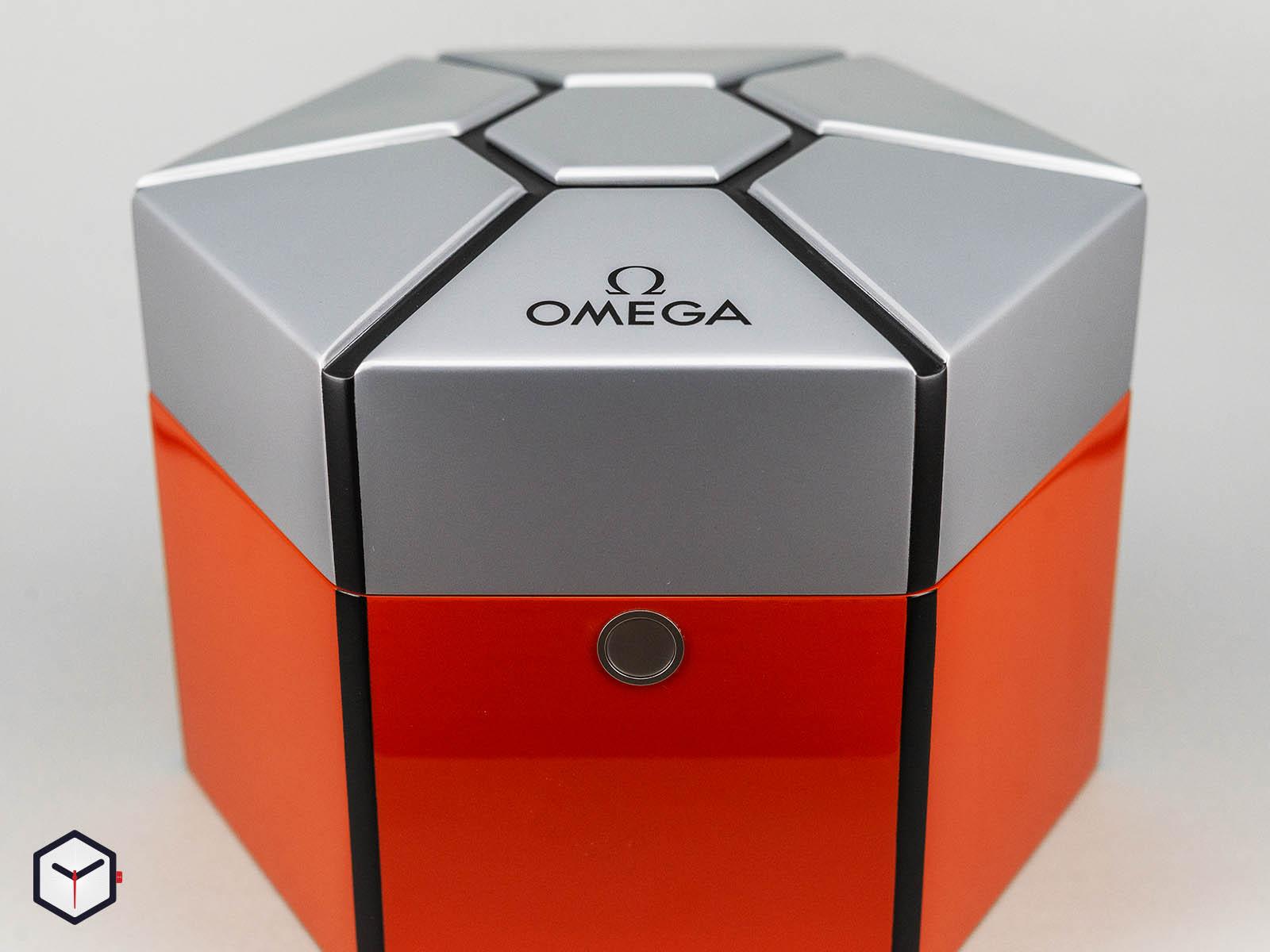 311-12-42-30-01-001-omega-speedmaster-speedy-tuesday-2018-edition-ultraman-14.jpg
