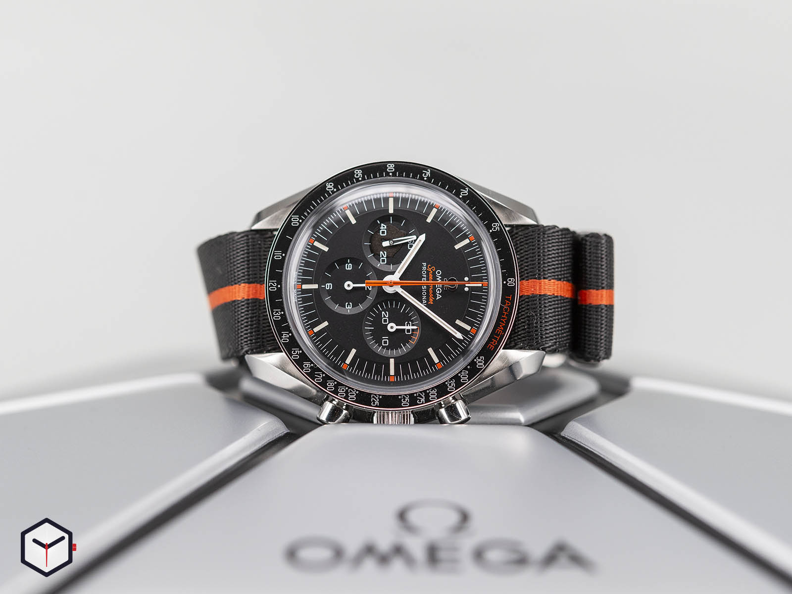 311-12-42-30-01-001-omega-speedmaster-speedy-tuesday-2018-edition-ultraman-2.jpg
