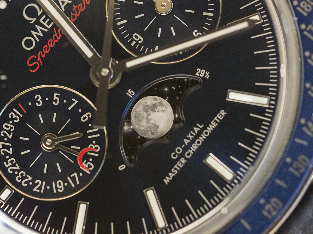 Omega-Speedmaster-Moonphase-Co-Axial-Master-Chronometer-Chronograph-14.jpg