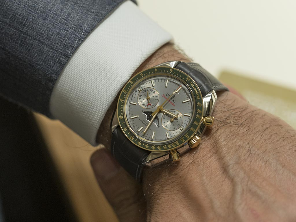Omega-Speedmaster-Moonphase-Co-Axial-Master-Chronometer-Chronograph-16.jpg