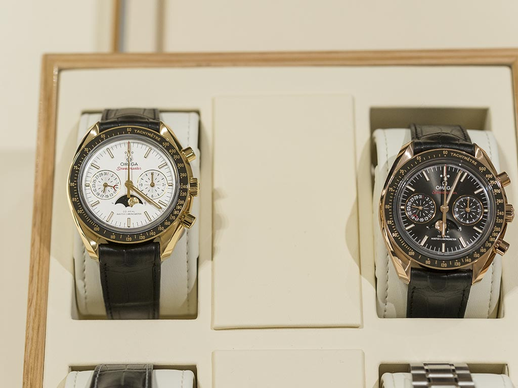 Omega-Speedmaster-Moonphase-Co-Axial-Master-Chronometer-Chronograph-19.jpg