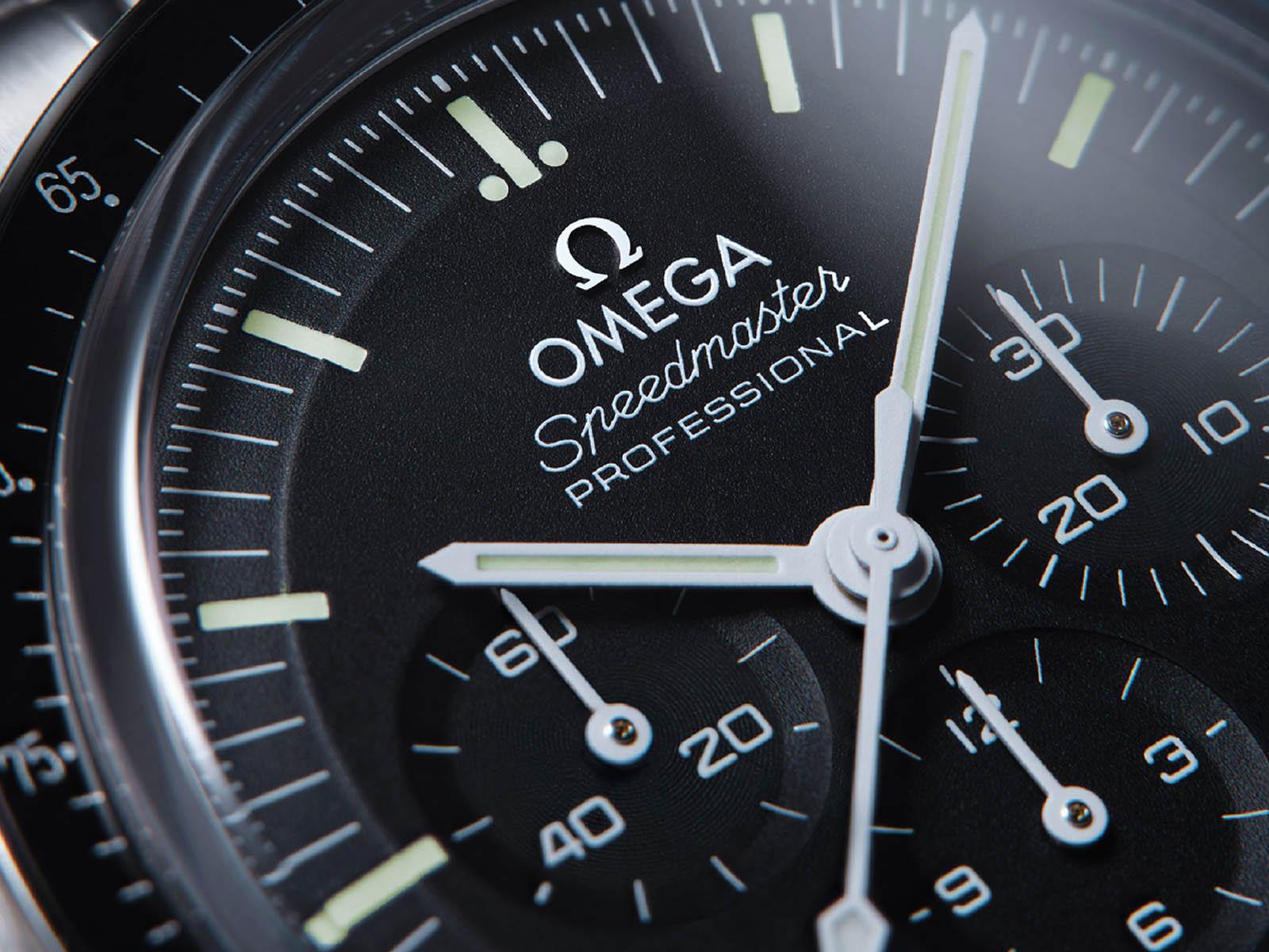 omega-speedmaster-moonwatch-professional-master-chronometer-4.jpg