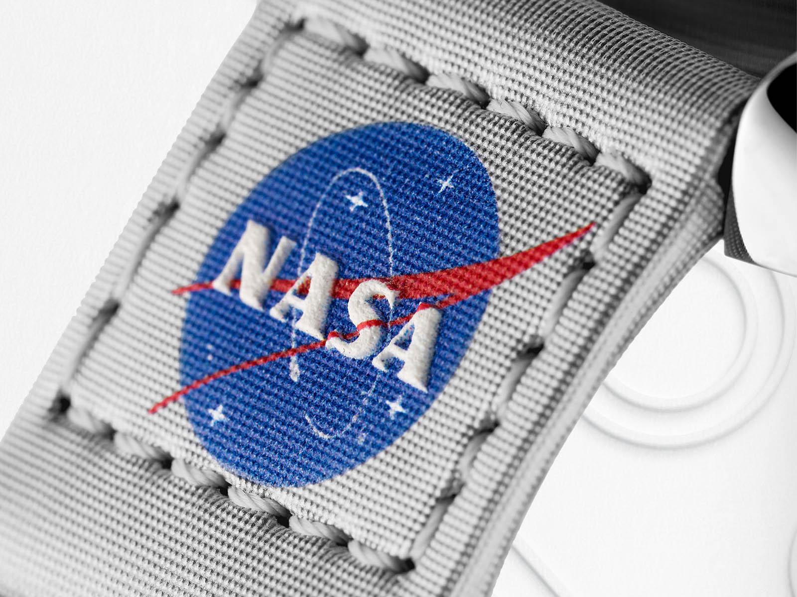 omega-speedmaster-moonwatch-velcro-straps-5.jpg