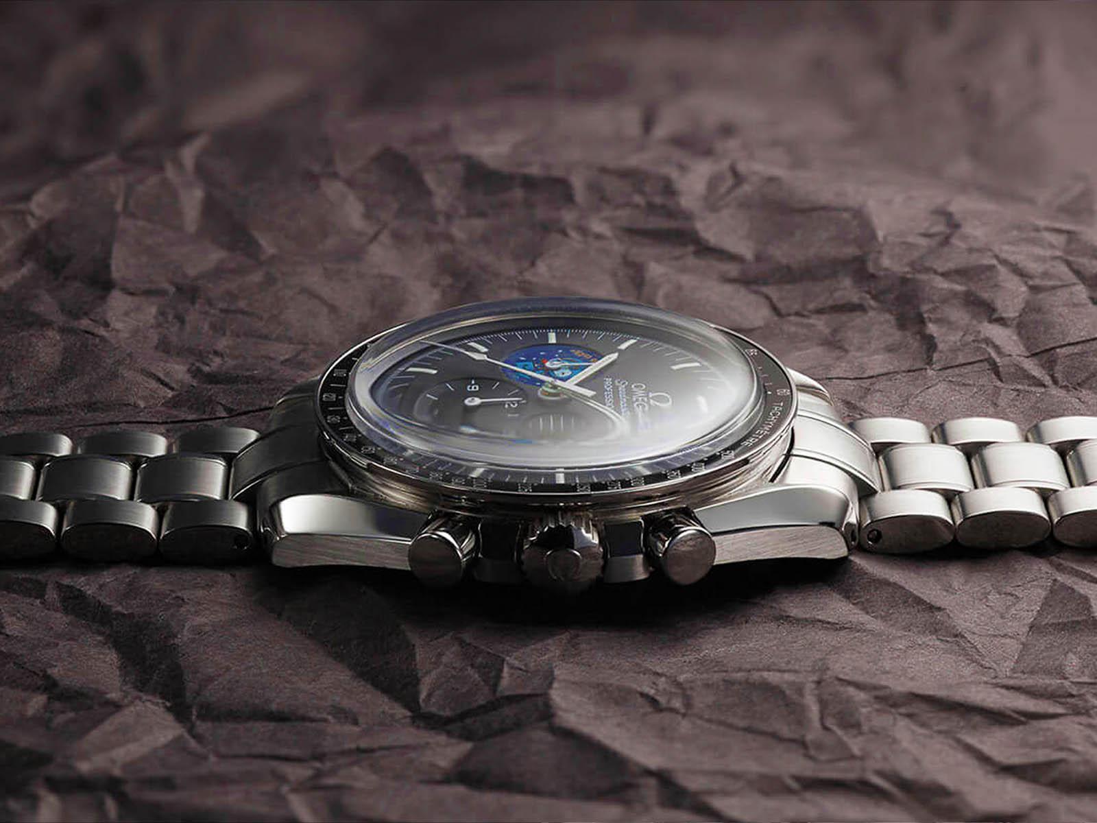 omega-speedmaster-professional-snoopy-7.jpg