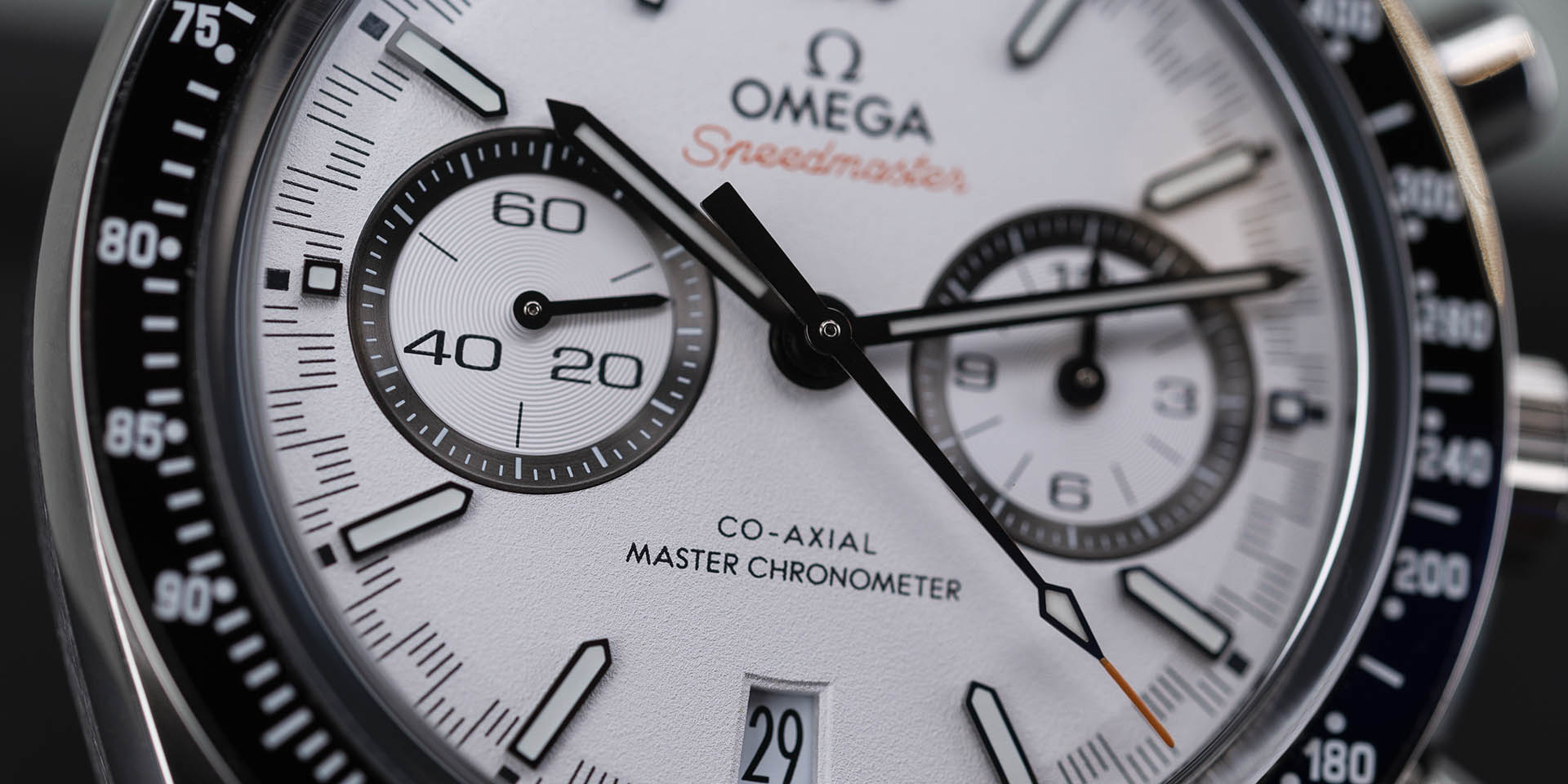 329-30-44-51-04-001-omega-speedmaster-racing-co-axial-master-1.jpg