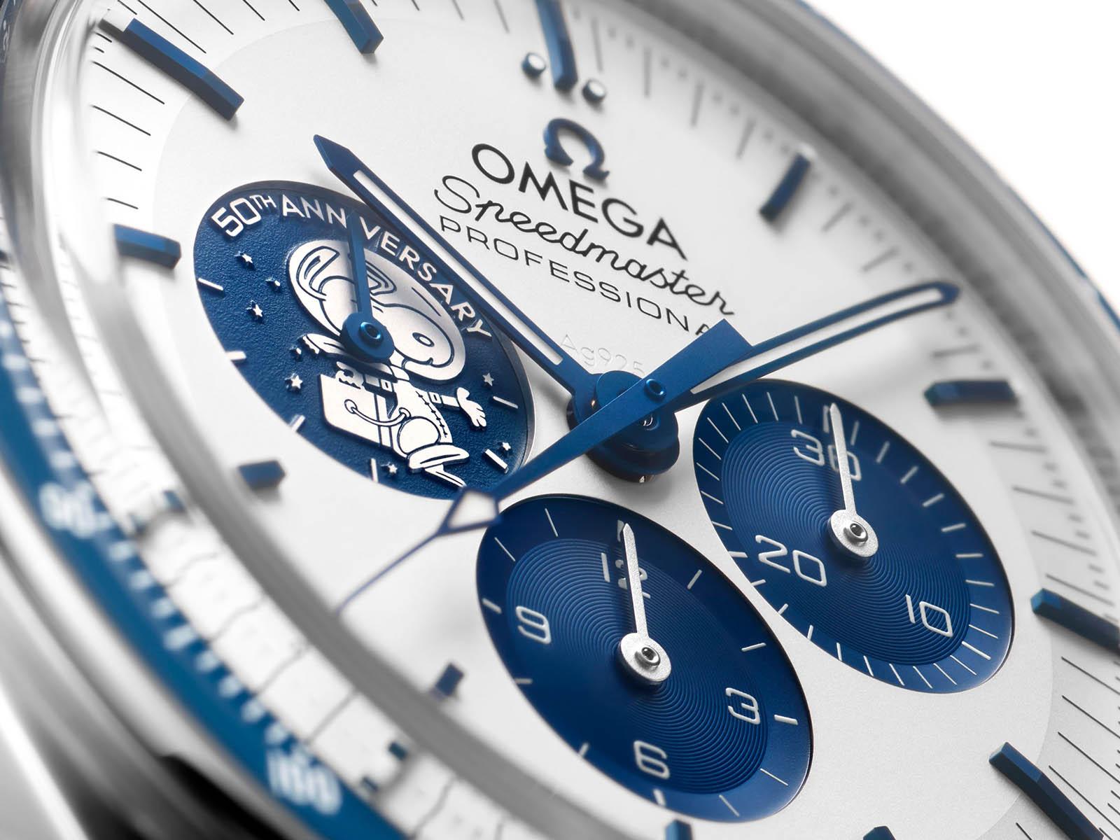 310-32-42-50-02-001-omega-speedmaster-silver-snoopy-award-50th-anniversary-3.jpg