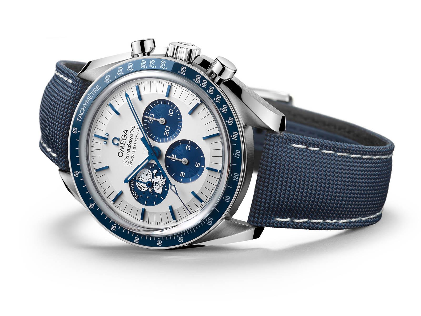 310-32-42-50-02-001-omega-speedmaster-silver-snoopy-award-50th-anniversary-7.jpg