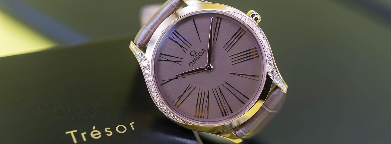 428-58-36-60-13-001-omega-tresor-ladies-18k-sedna-gold-2.jpg