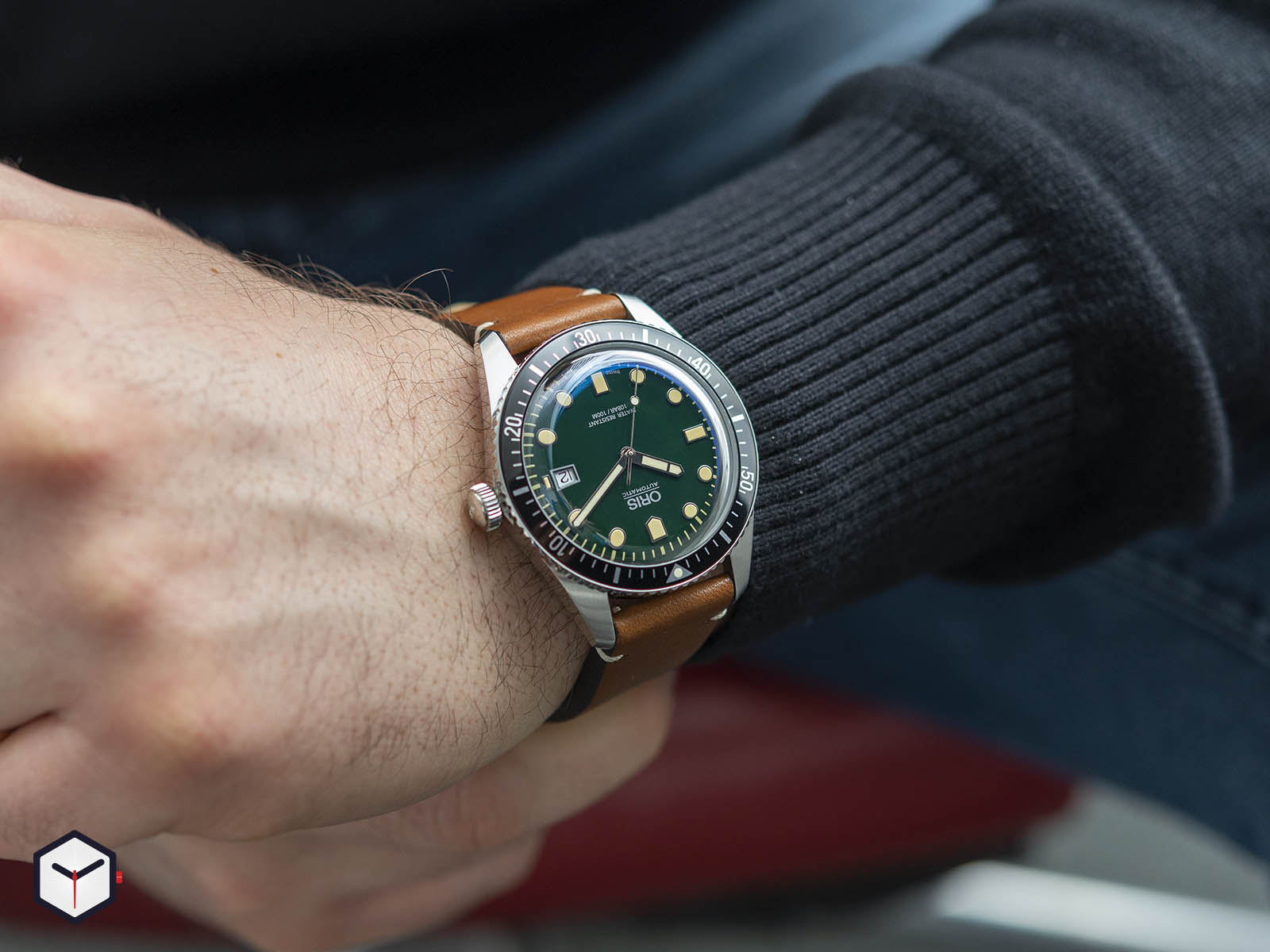 01-733-7720-4057-07-5-21-02-oris-divers-sixty-five-green-dial-7.jpg