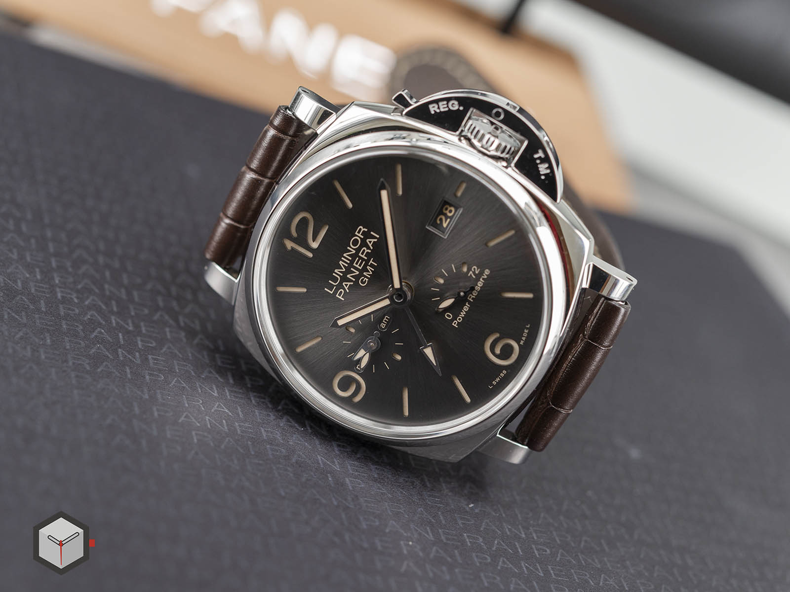 pam00944-panerai-luminor-due-3-days-gmt-power-reserve-automatic-6.jpg