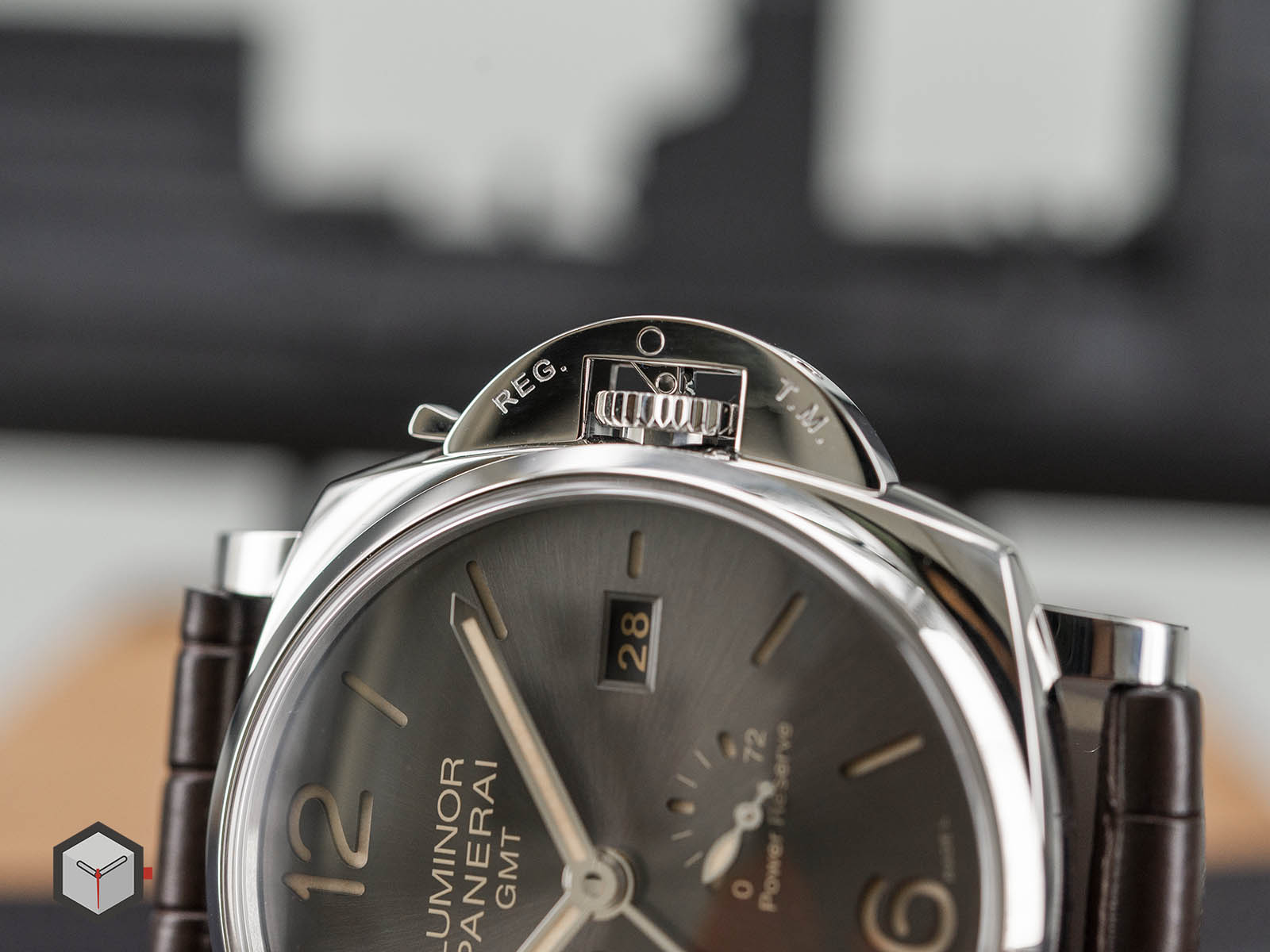 pam00944-panerai-luminor-due-3-days-gmt-power-reserve-automatic-7.jpg