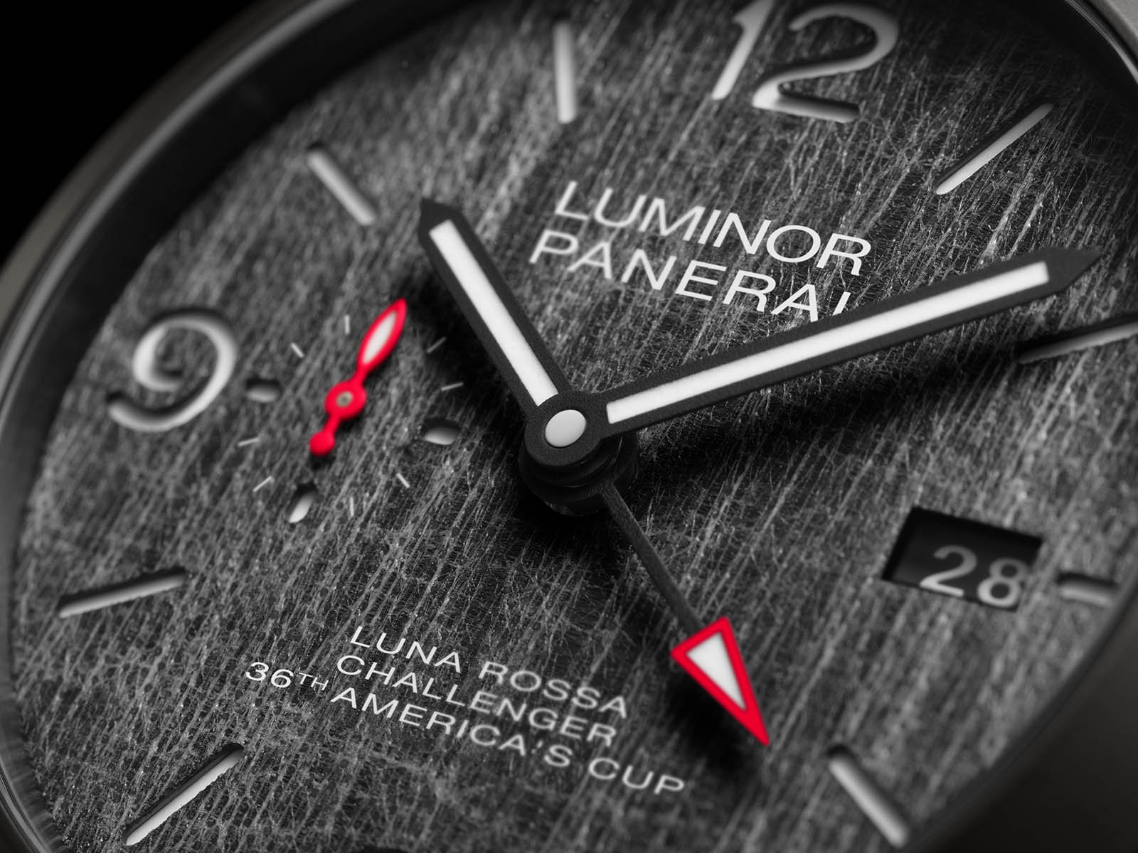pam01036-officine-panerai-luminor-luna-rossa-gmt-44mm-3.jpg