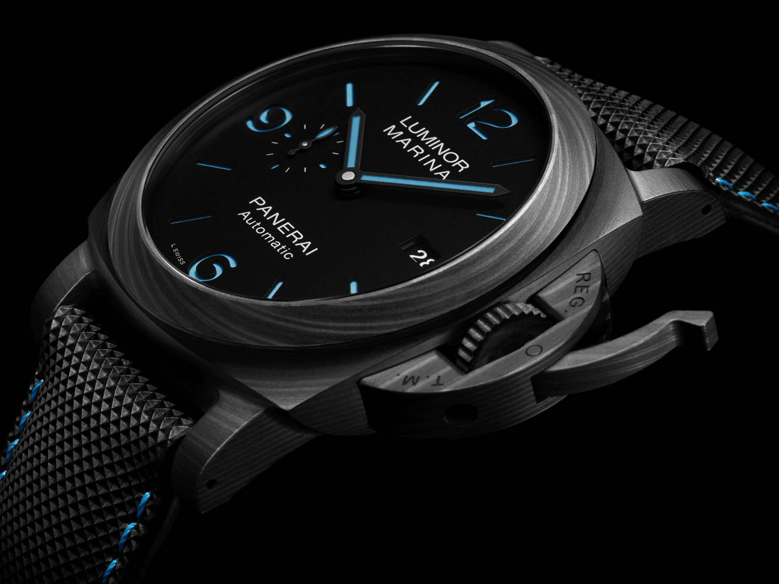 pam01661-panerai-luminor-marina-carbotech-3.jpg