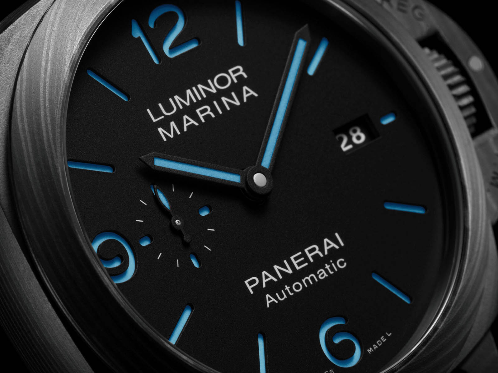 pam01661-panerai-luminor-marina-carbotech-4.jpg
