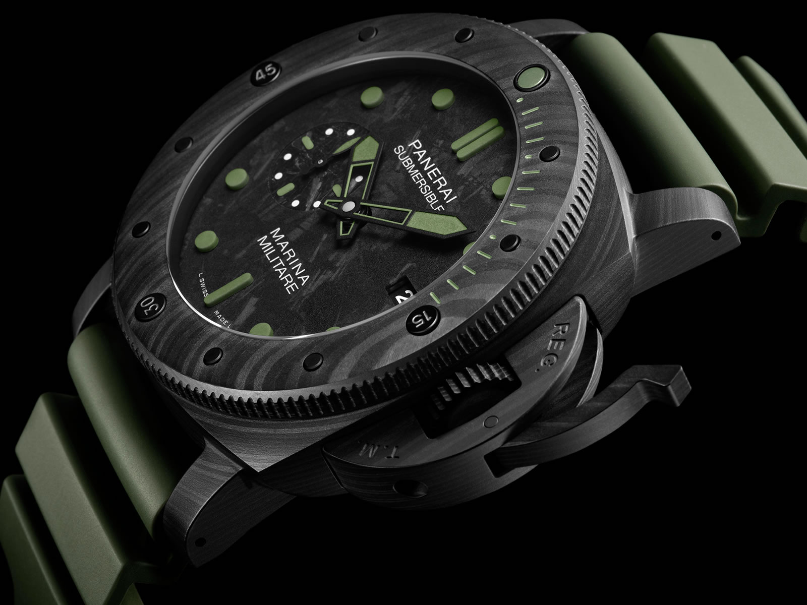 pam00961-officine-panerai-submersible-marina-militare-carbotech-2-.jpg