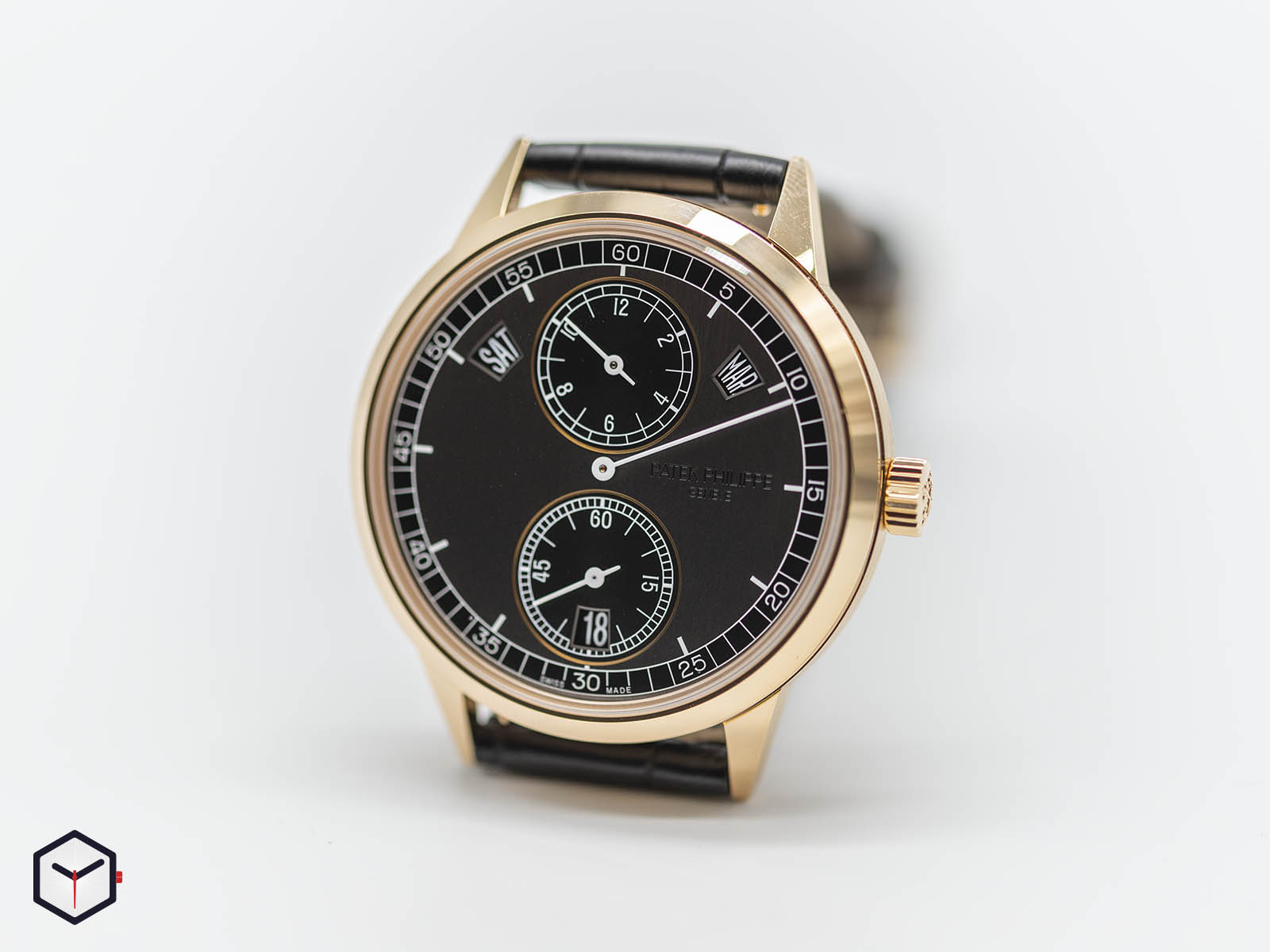 5235-50r-001-patek-philippe-5235-50r-annual-calendar-regulator-2.jpg