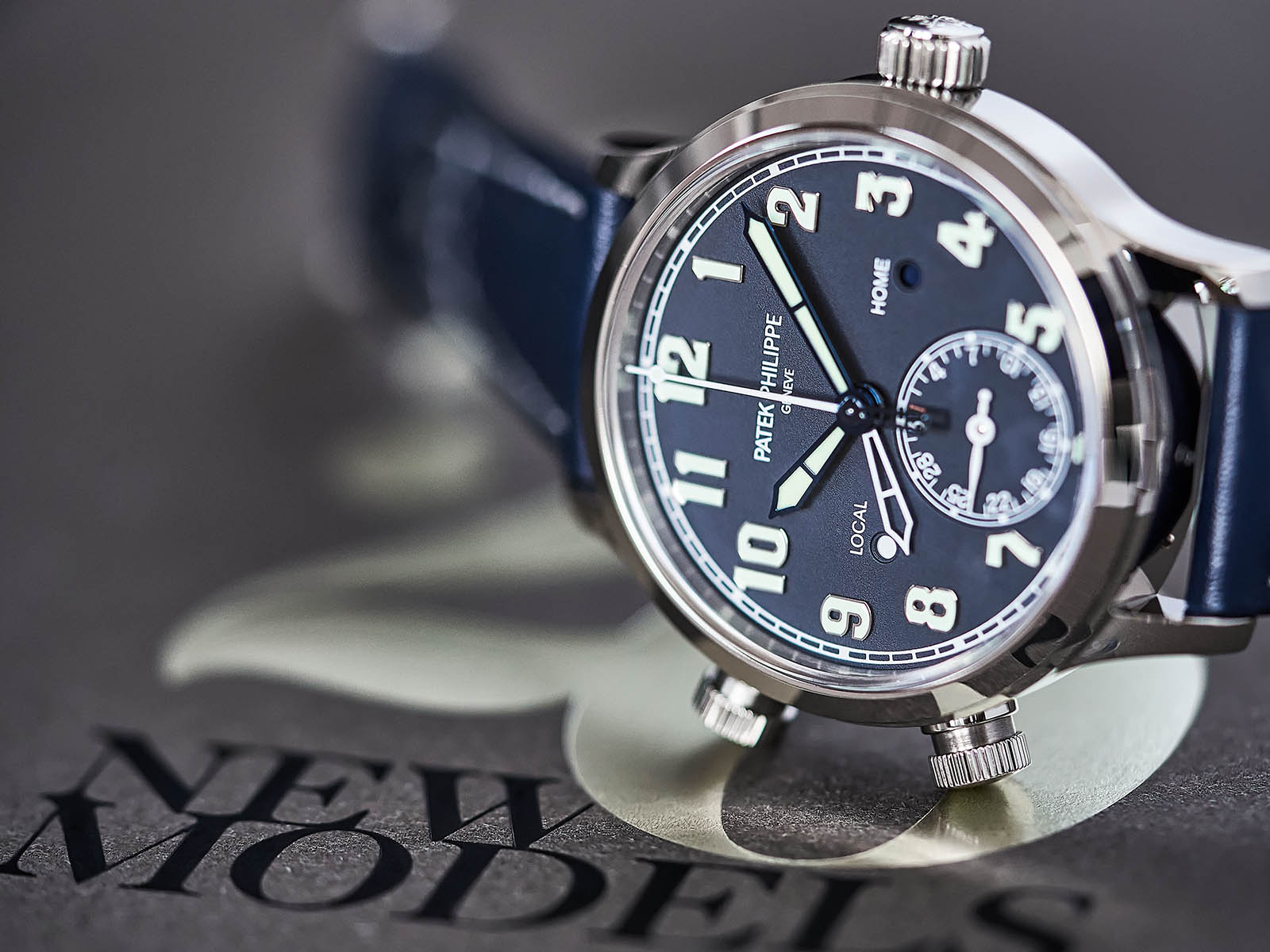 7234g-001-patek-philippe-calatrava-pilot-travel-time-3.jpg