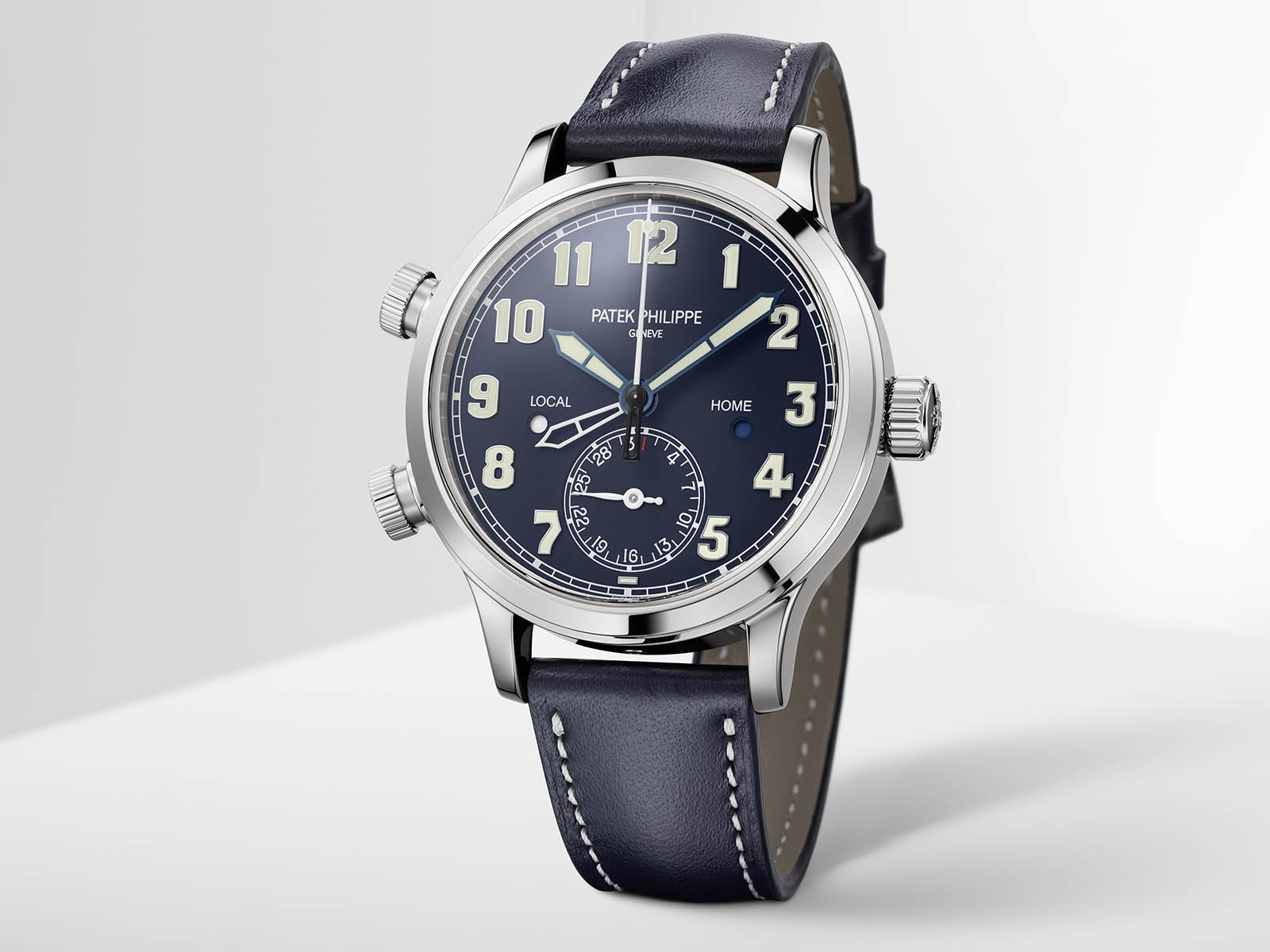7234g-001-patek-philippe-calatrava-pilot-travel-time-6.jpg