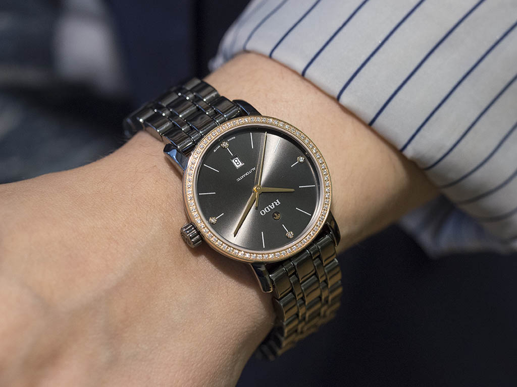 RADO_-HyperChrome_Automatic_Diamonds_01-580-0523-3-010-8-.jpg