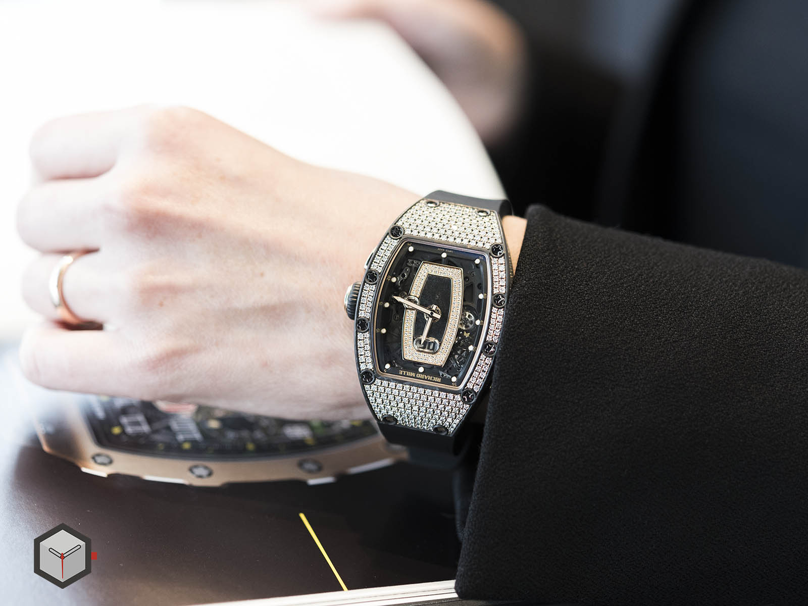richard-mille-rm-037-automatic-11.jpg