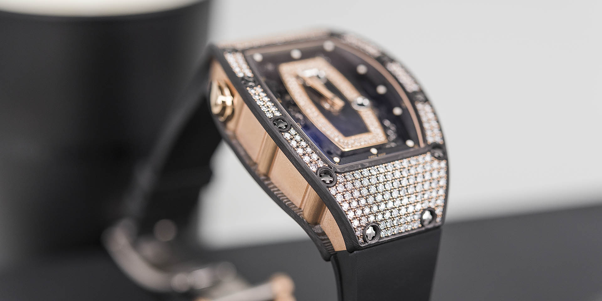 richard-mille-rm-037-automatic-4.jpg