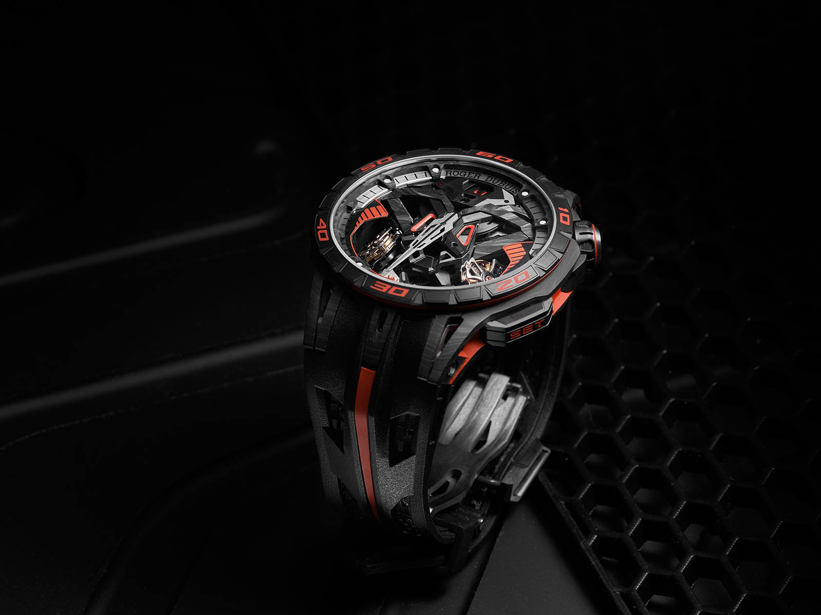 rddbex0765-roger-dubuis-excalibur-one-off-1.jpg
