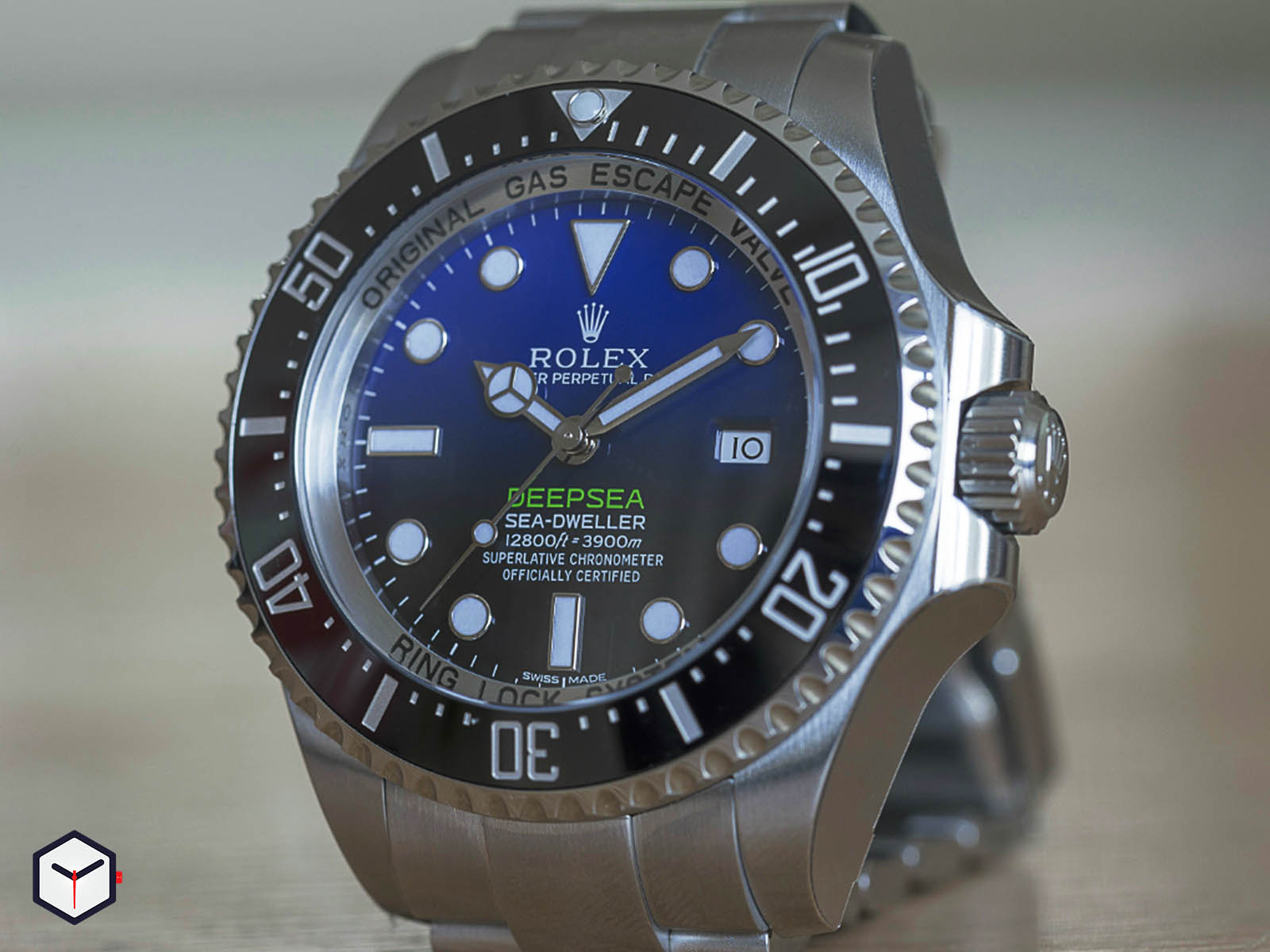 116660-rolex-deepsea-sea-dweller-deep-blue-1.jpg
