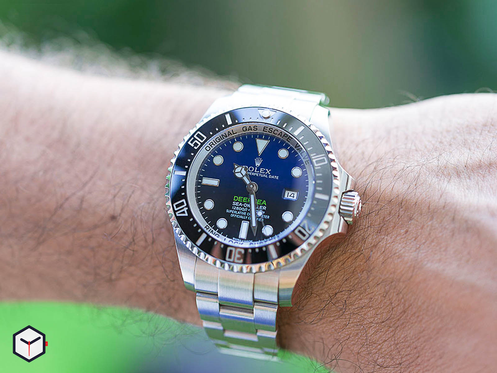 116660-rolex-deepsea-sea-dweller-deep-blue-2.jpg