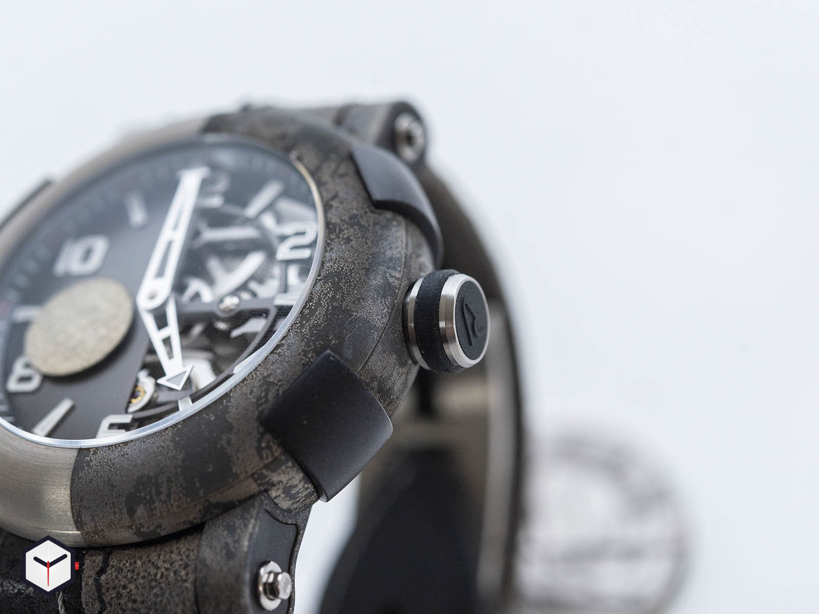1c45s-tttr-5023-ar-twf18-romain-jerome-arraw-two-face-sihh-2019-5.jpg