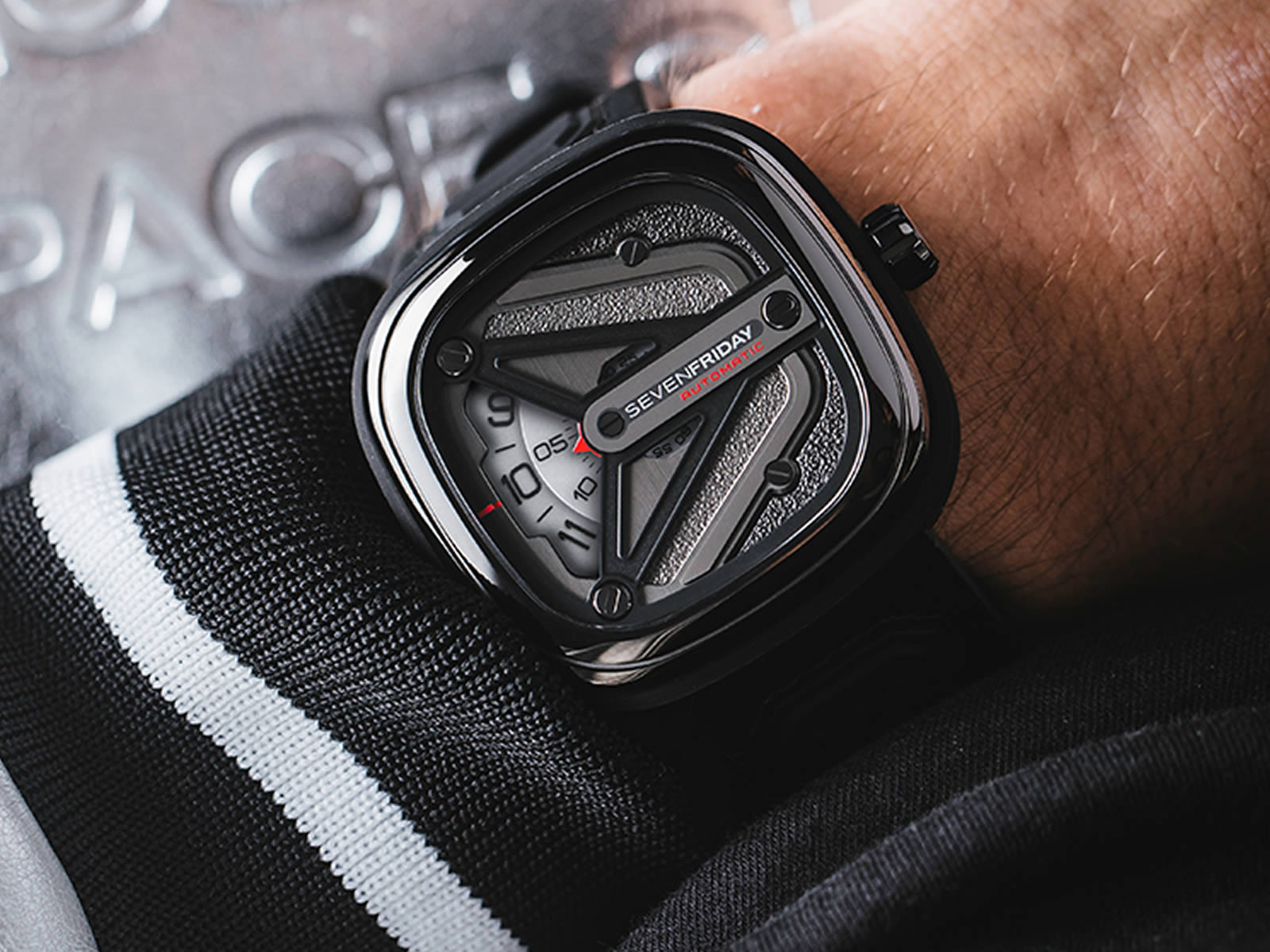sevenfriday-m3-01-spaceship-edition-5-.jpg