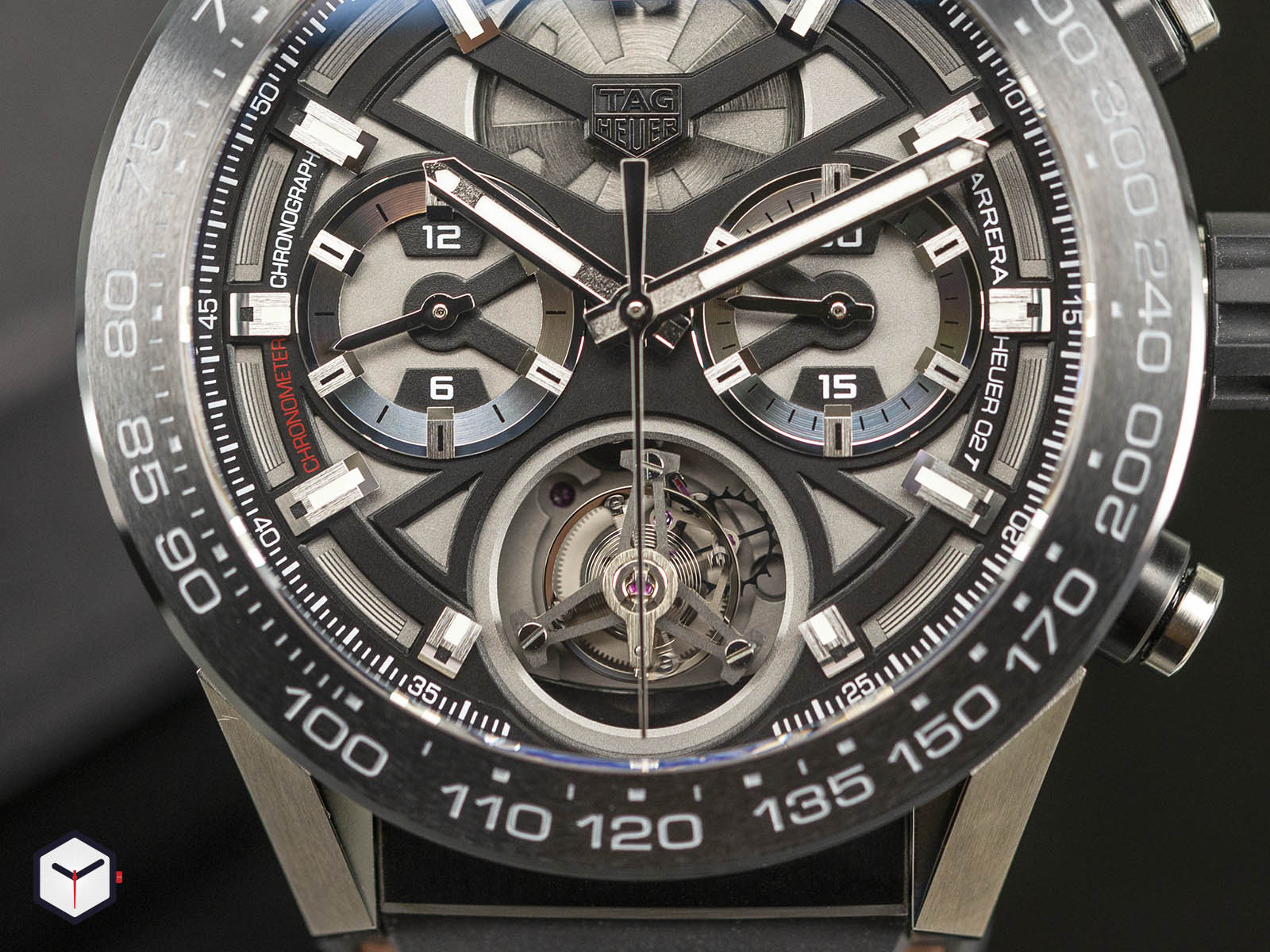 car5a8y-ft6072-tag-heuer-carrera-calibre-heuer-02t-cosc-4.jpg