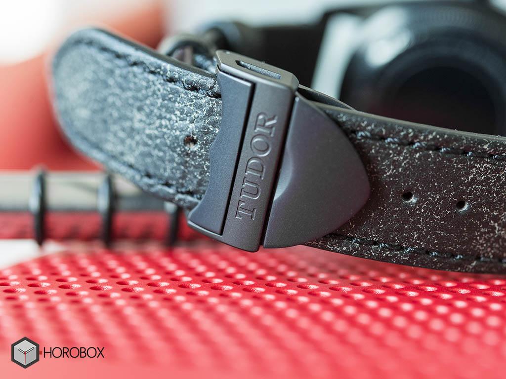 tudor-heritage-black-bay-dark-79230DK-6-.jpg