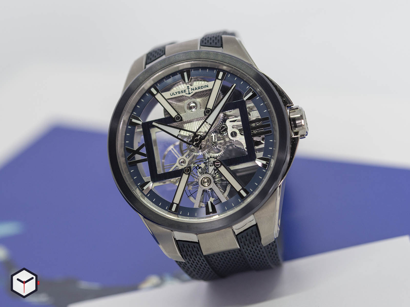 93713-260-3-03-ulysse-nardin-executive-skeleton-x-1.jpg