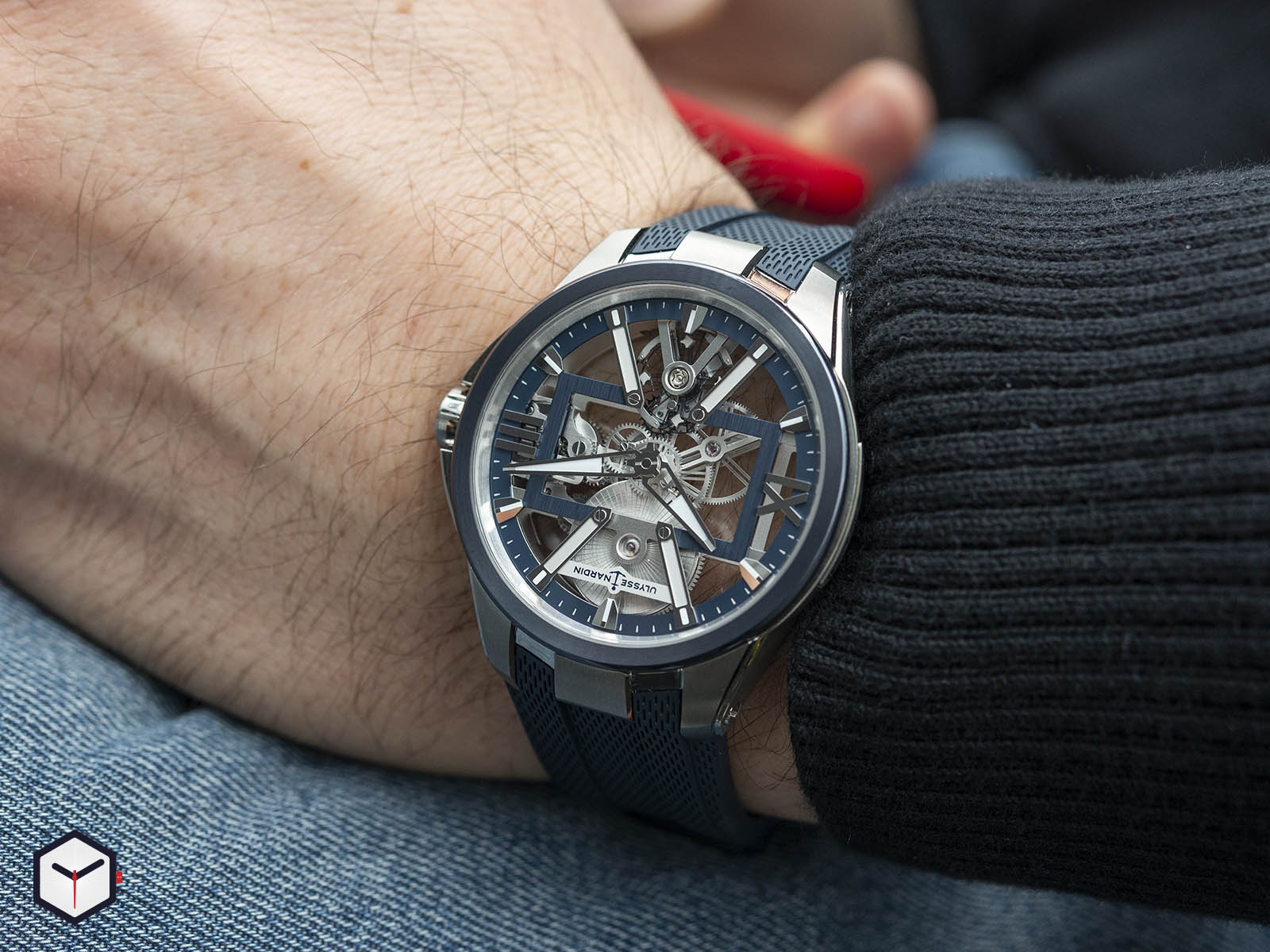93713-260-3-03-ulysse-nardin-executive-skeleton-x-8.jpg