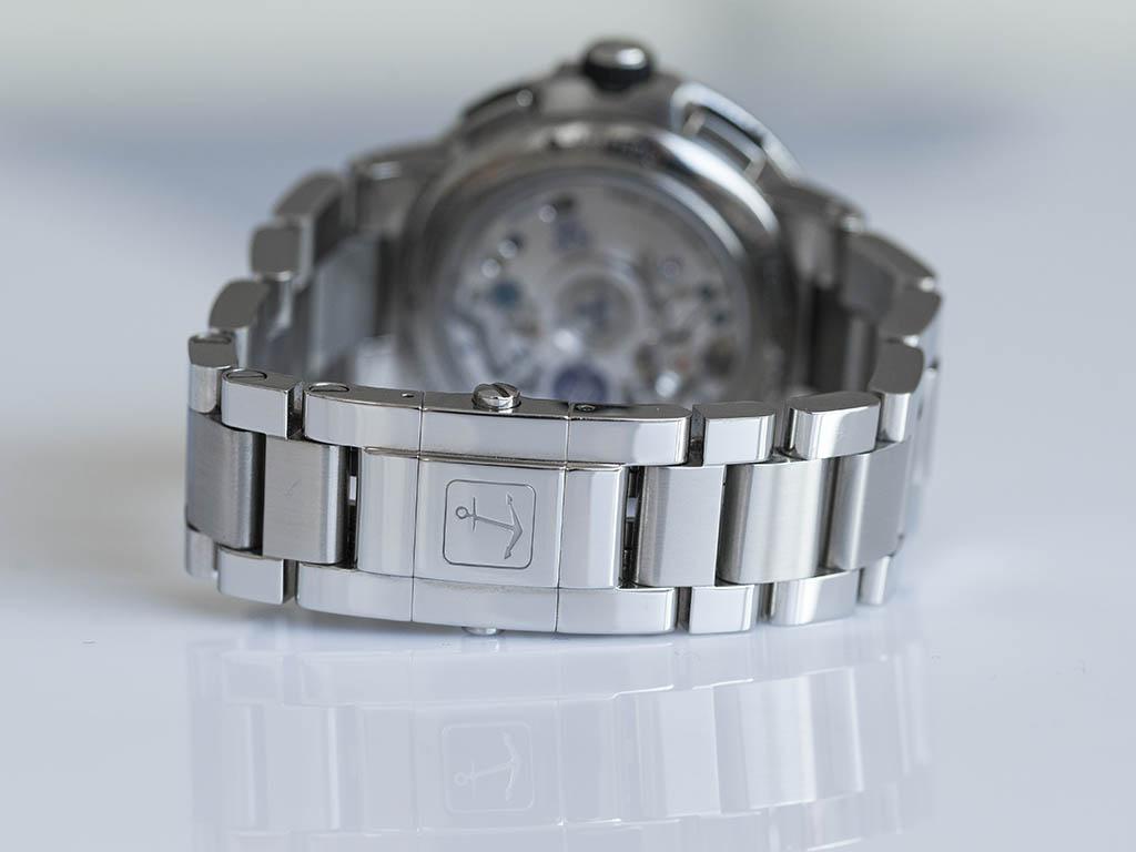 Ulysse-Nardin-Marine-Chronograph-Manufacture-7.jpg