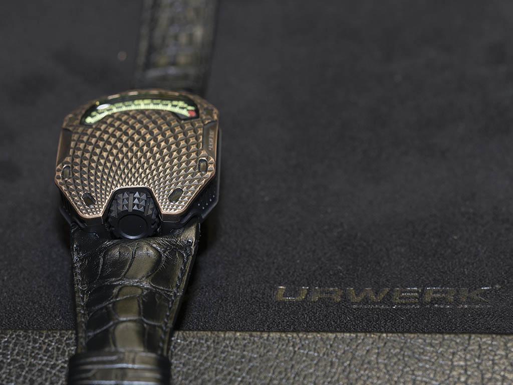 Urwerk_UR-105_T-REX-2-.jpg