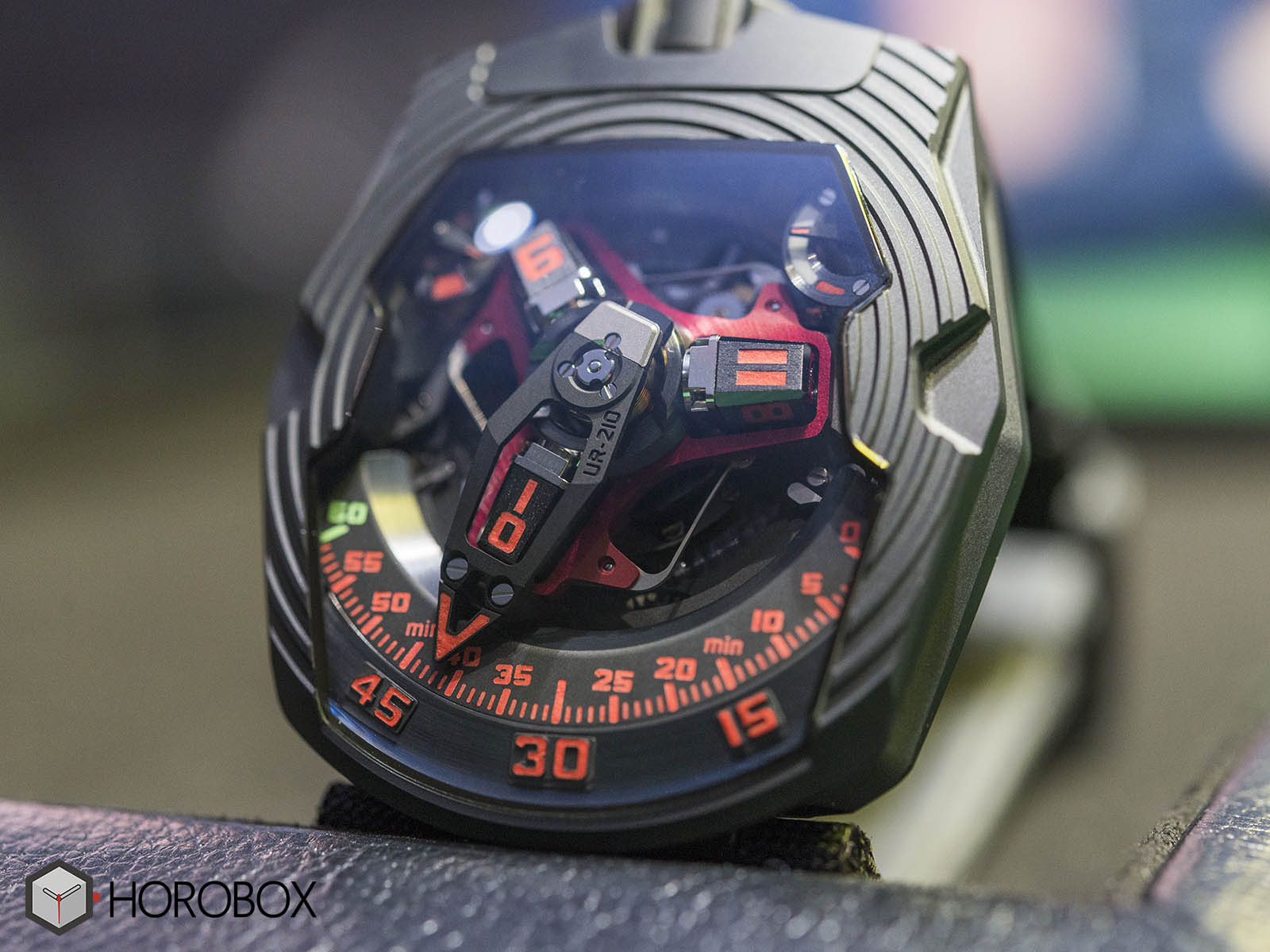 urwerk-ur-210-royal-hawk-3.jpg