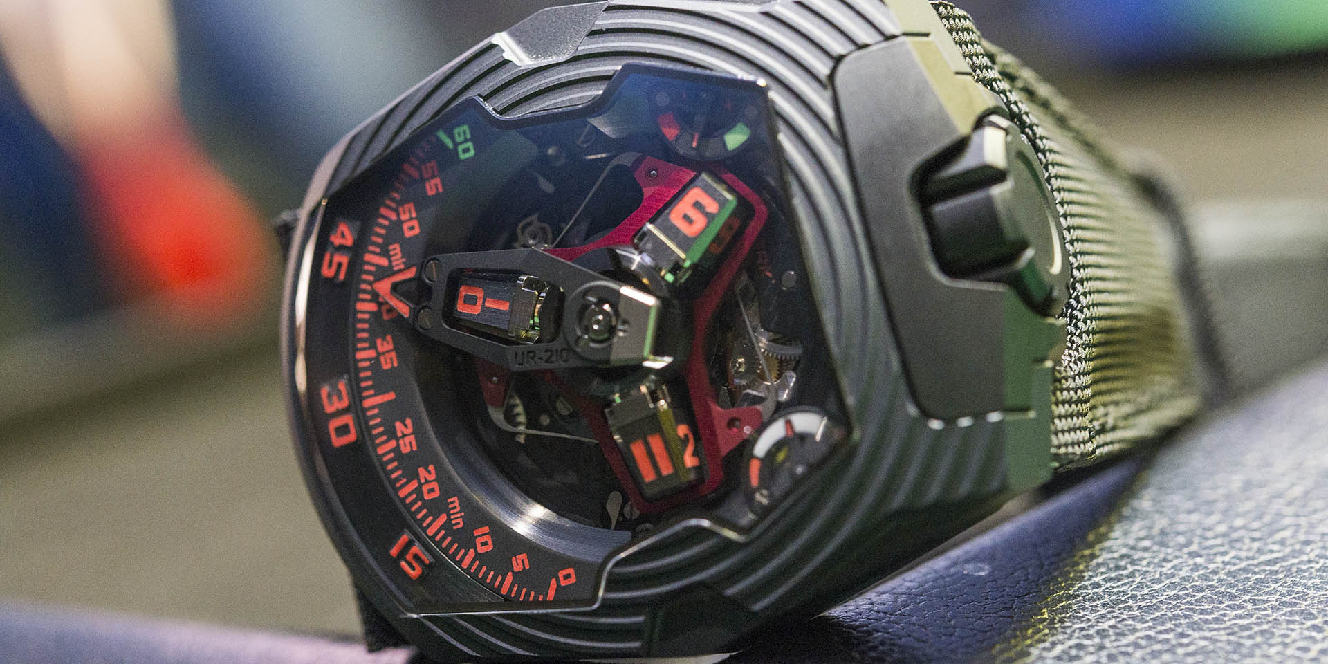 urwerk-ur-210-royal-hawk-4.jpg