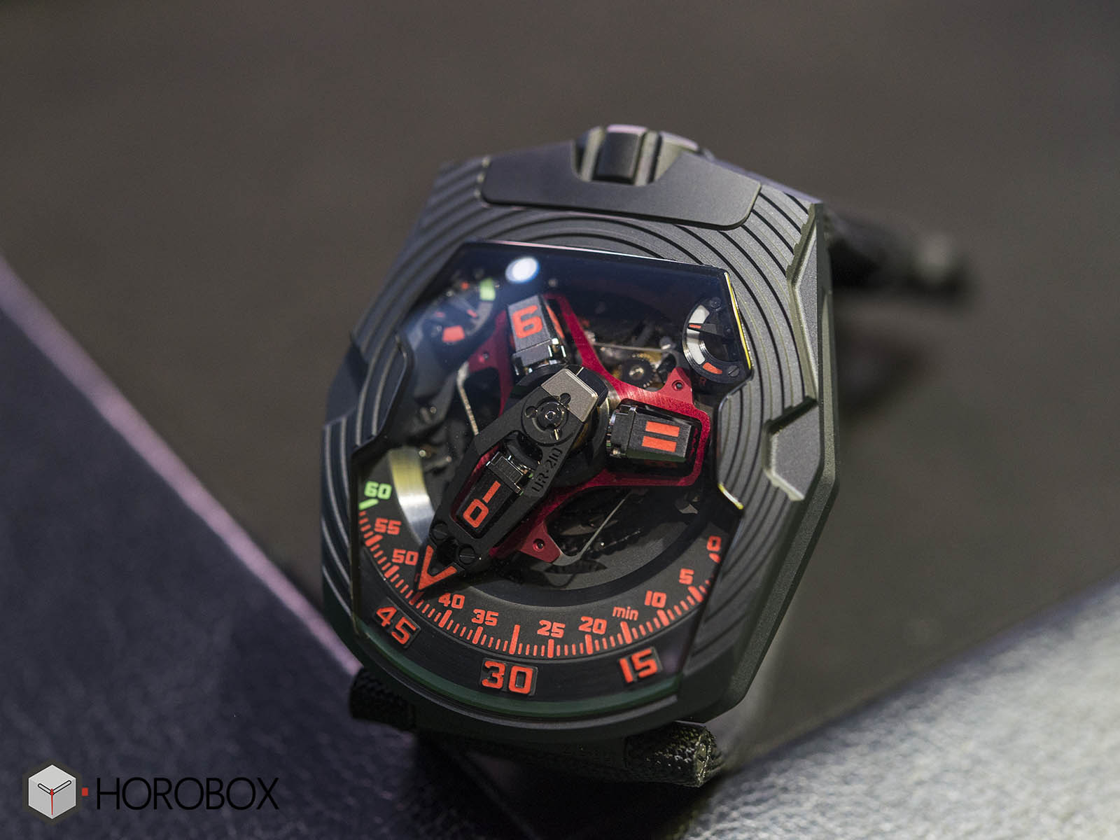 urwerk-ur-210-royal-hawk-5.jpg