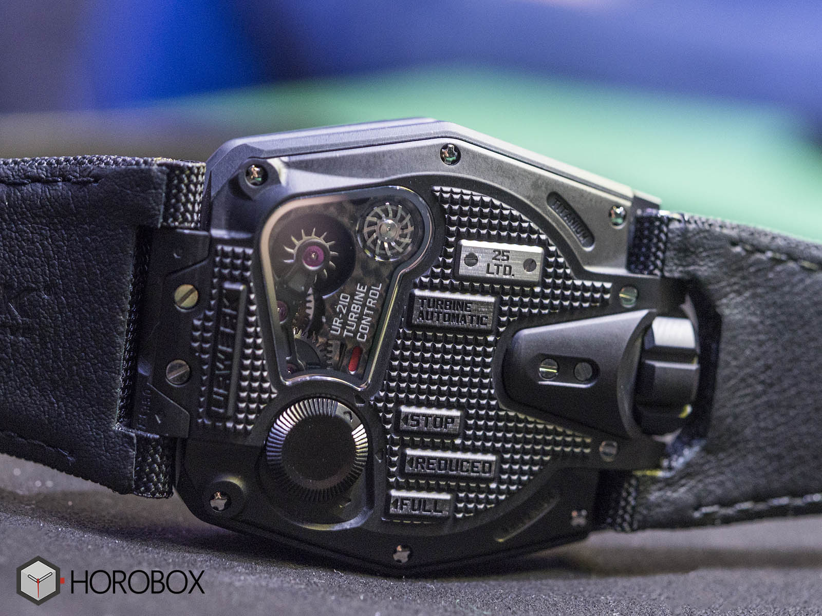 urwerk-ur-210-royal-hawk-6.jpg