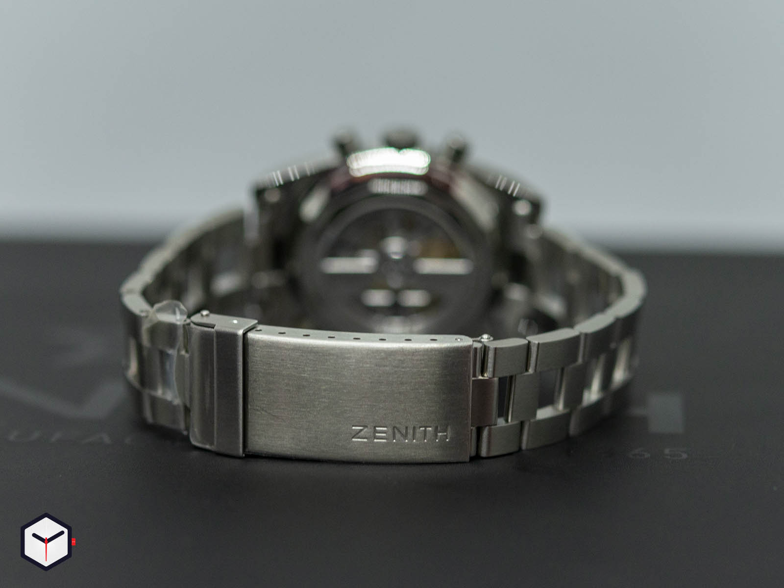 03-a384-400-21-m384-zenith-chronomaster-el-primero-a384-revival-5.jpg
