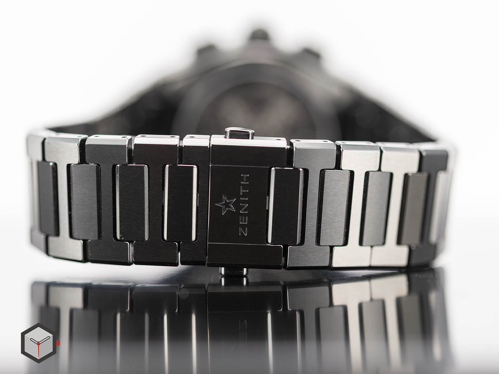 49-9000-9004-78-m9000-zenith-defy-el-primero-21-black-ceramic-10.jpg